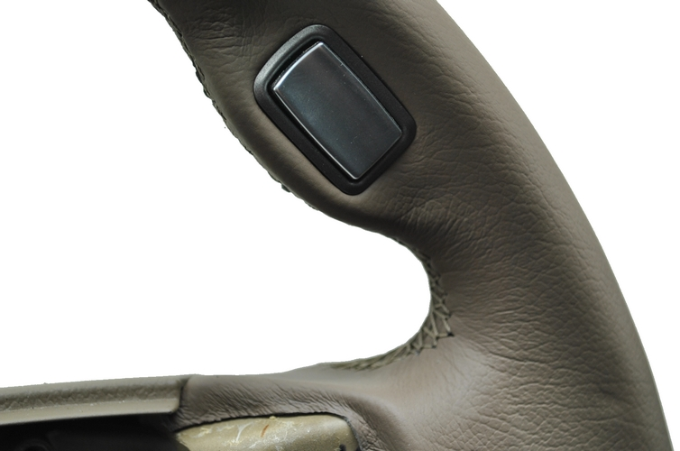 bmw 7er e65 e66 lenkrad mit automobil leder 2 farbig neu beziehen. Black Bedroom Furniture Sets. Home Design Ideas