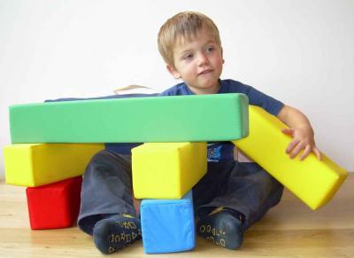 bausteine aus schaumstoff 15 baukl tze von molbos basic set kindergarten hort ebay. Black Bedroom Furniture Sets. Home Design Ideas